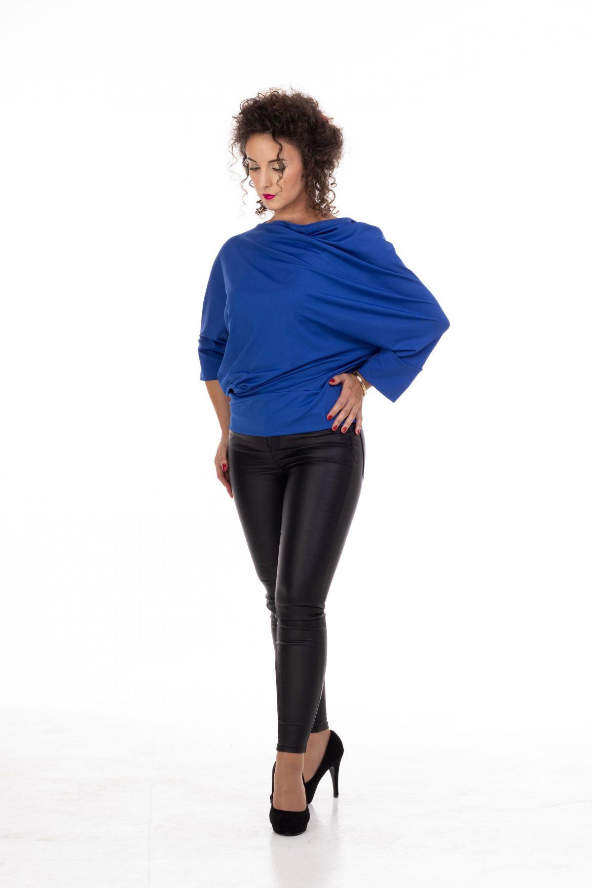 plava bluza od likre